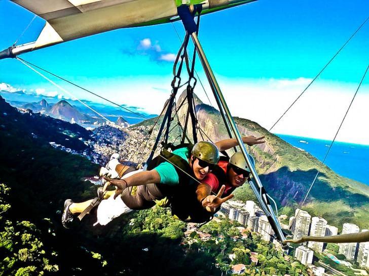 Para gliding in Rio De Janeiro