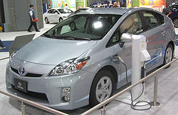 250px-Toyota_Prius_plug-in_--_2010_DC