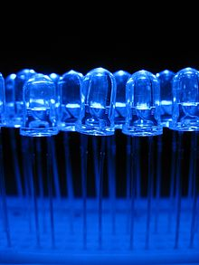 220px-Blue_light_emitting_diodes_over_a_proto-board