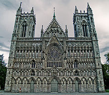 220px-Nidaros-cathedral-west-front