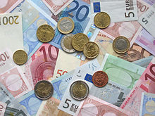 Euro_coins_and_banknotes (2)