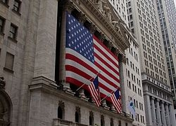New_York_Stock_Exchange,_Wall_Street