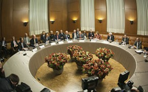 Catherine Ashton, P5+1 and Iran foreign ministers in Geneva negotiations
