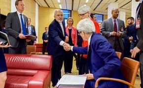 Secretary_Kerry_shakes_hands_with_minister_Zarif