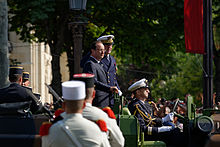 Hollande reviews troops during the 2013 Bastille Day military parade
