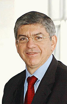 César Gaviria president of Colombia from 1990 to 1994
